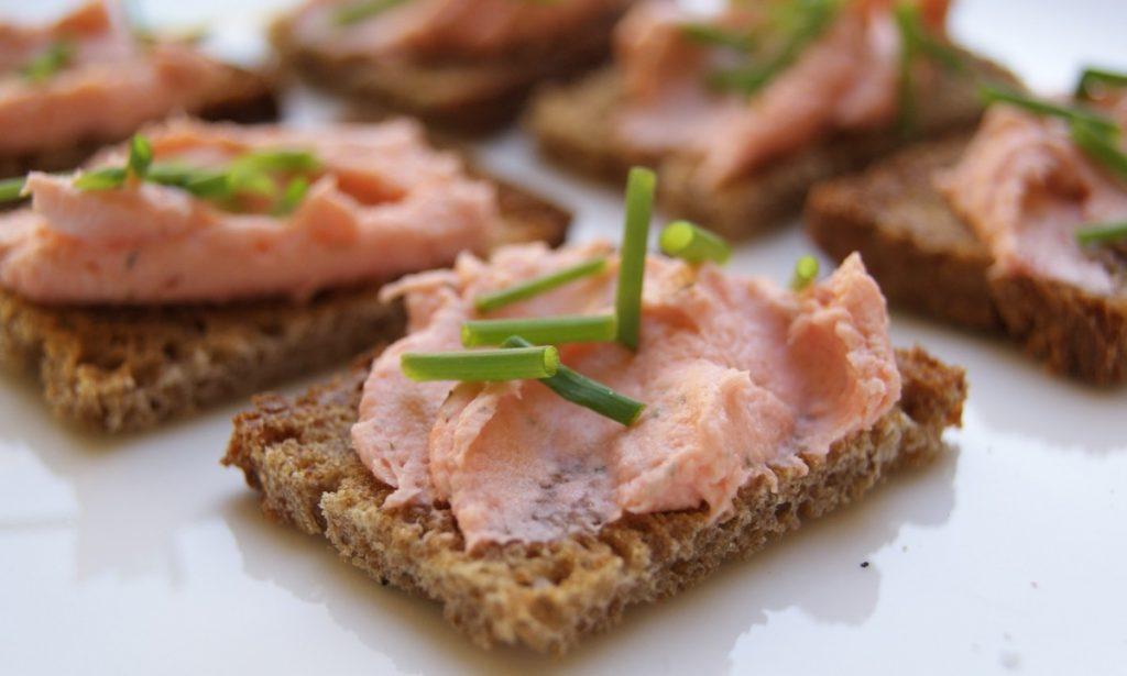 Mousse de salmón ahumado fácil