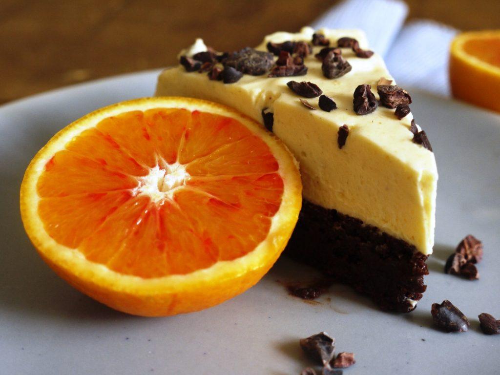 Tarta de mousse de naranja